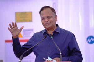 Centre should not politicize fight against pandemic: Satyendar Jain