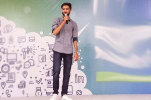 Ravi Patel wishes to provide bloggers with easy solutions and support
