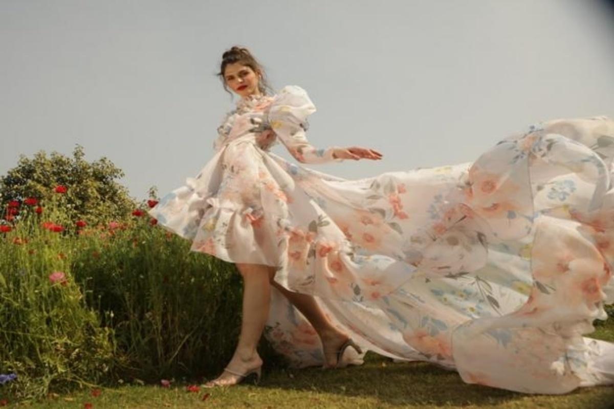 Feminine fashion philosophy , fashion week 2021, fashion