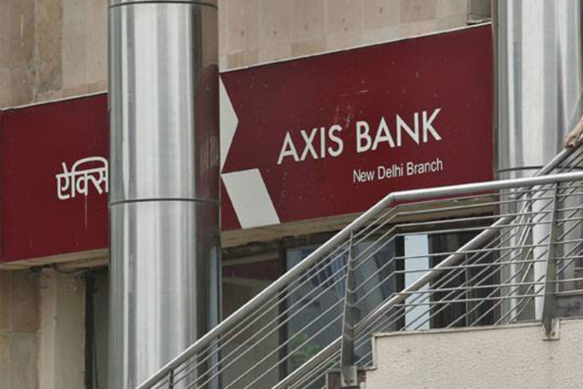 Axis Bank, Wear N Pay, contactless transaction device