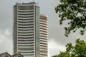 Financial stocks drags Sensex, Nifty to red zone