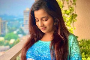 Shreya Ghoshal announces pregnancy