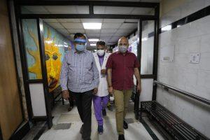 Delhi Deputy CM Manish Sisodia visits Deen Dayal Upadhyay hospital to review COVID-19 situation