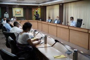Kejriwal directs officials to create more Covid facilities and increase oxygen beds across Delhi