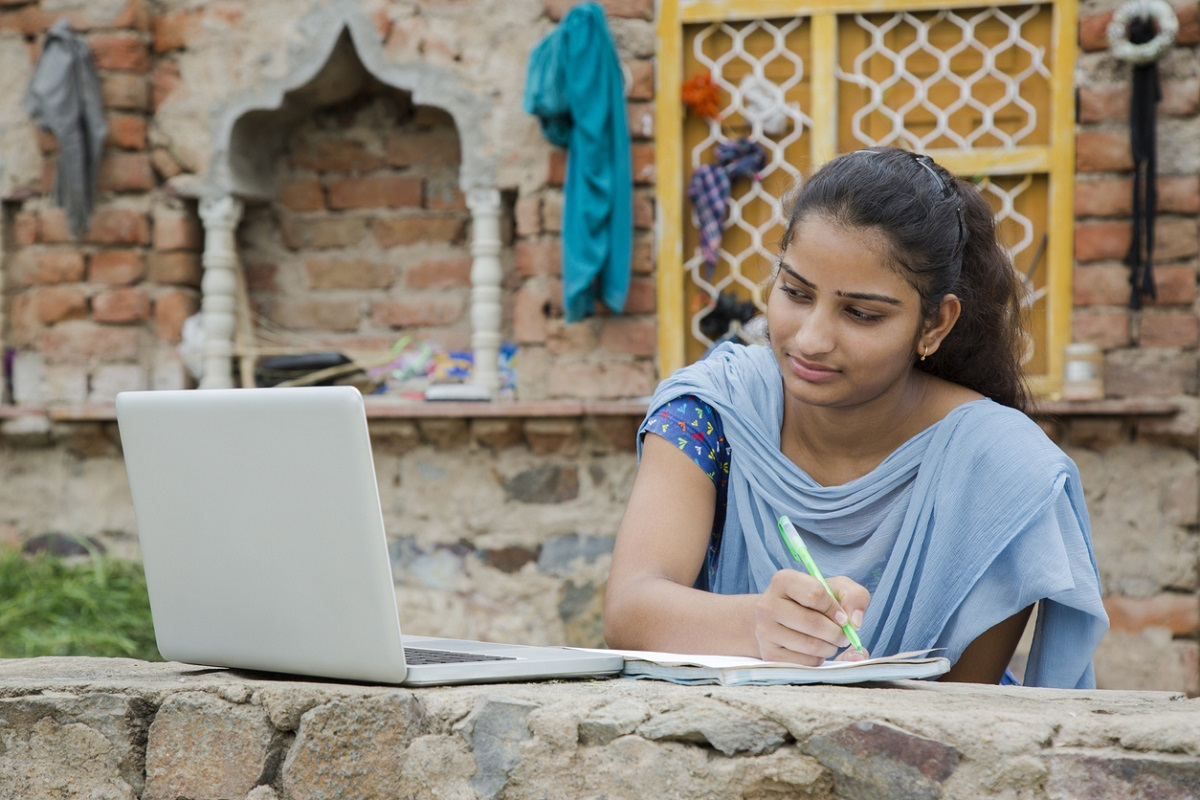 Digital Education, Traditional Education System, Artificial intelligence
