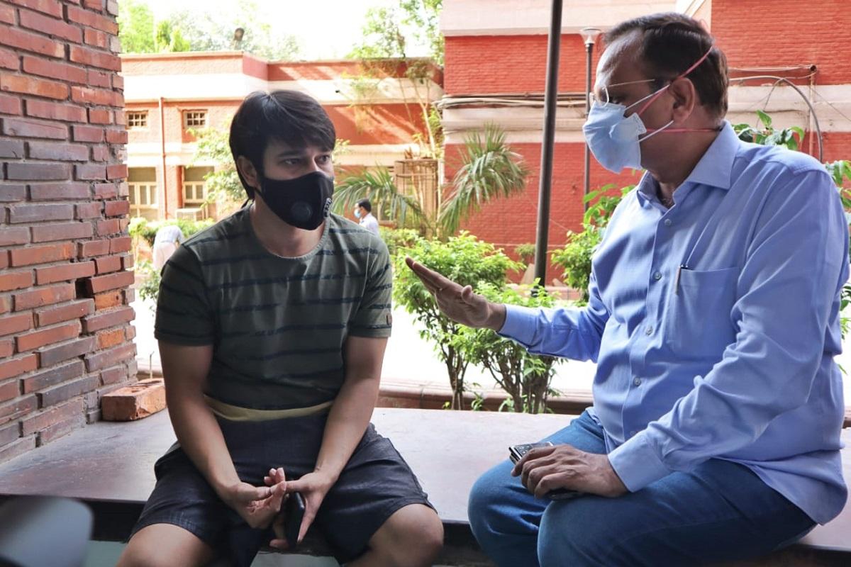 Satyendar Jain, Delhi Health Minister, Lok Nayak Hospital, Covid-19