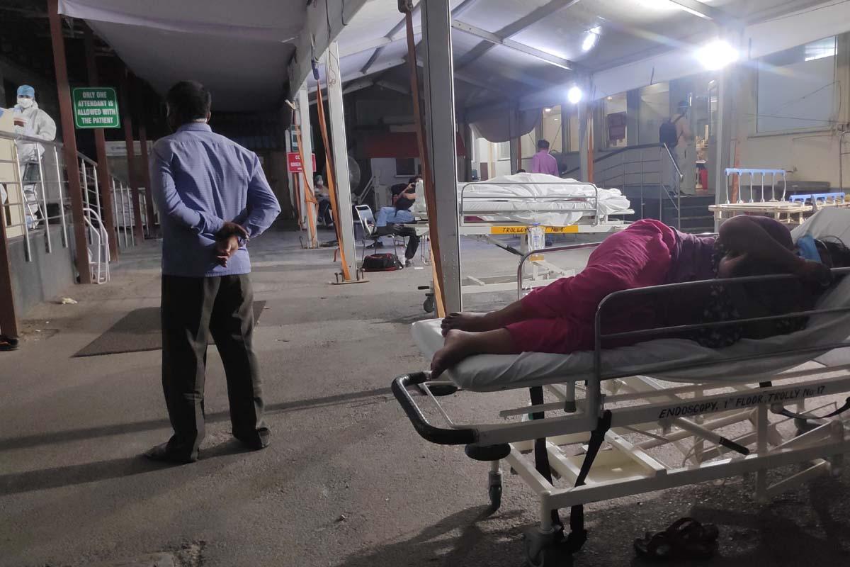 Gangaram Hospital, oxygen, Death, SOS message