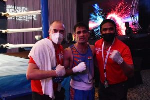 Boxer Hussamuddin in quarter-finals of Asian championships