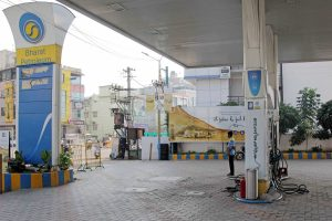 No change in petrol and diesel prices on Saturday