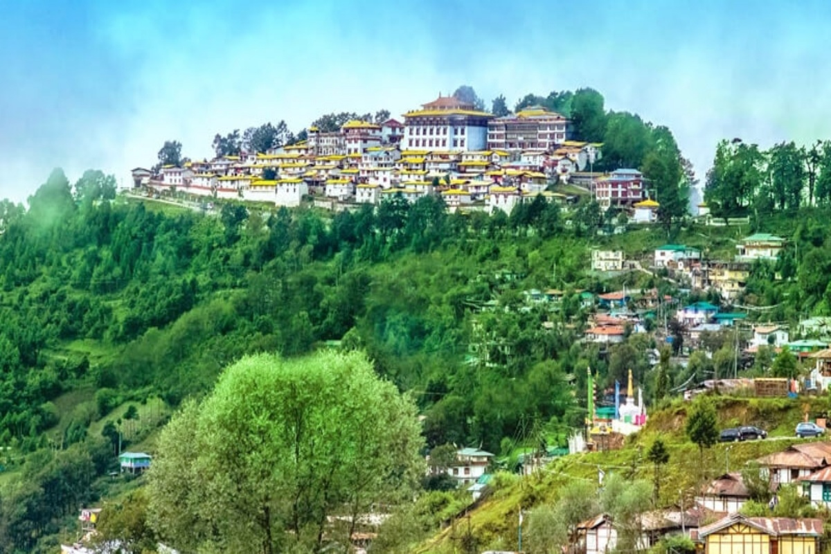 Right from the scenic hill stations to gorgeous beaches to peaceful getaways among nature and culture, there is an interesting landscape of landscapes across the country that are perfect alternatives for curious travellers looking for something different from the hustle and bustle of big, crowded cities.