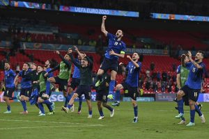 Euro 2020: Italy see off Austria 2-1 in extra time
