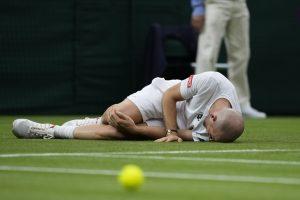 Lucky Federer enters Round 2 : Wimbledon