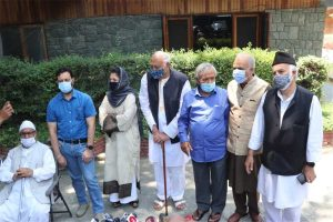 Mufti, Lone, others reach PM's residence for big meet on J&K