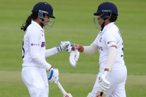 India collapse to 187/5 after solid start vs Eng