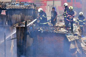 Gas cylinder explosion injures 13 in Delhi