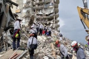 Condo board boss warned of dangerous damage before collapse