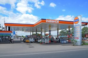 Fuel price rise paused on Monday after rising for 2 days