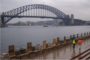 Small businesses in Sydney reel under new lockdown
