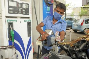 No fuel price hike for 2nd day in a row