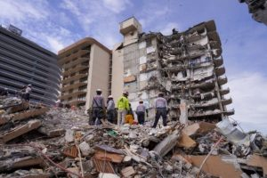 Explosions bring down rest of collapsed Florida condo