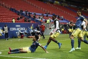 Diaz helps Colombia clinch third place