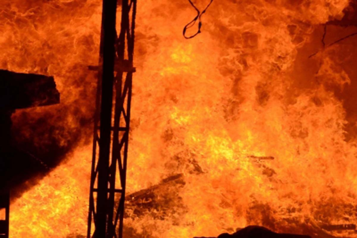 Fire, breaks, chennai, quick action, lives