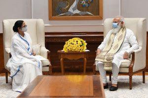 Mamata meets Modi in Delhi; discusses Covid, demands more vaccines
