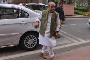 Farm laws: Tomar welcomes Pawar's stance
