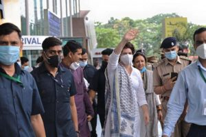 Priyanka arrives in Lucknow to a tumultuous welcome