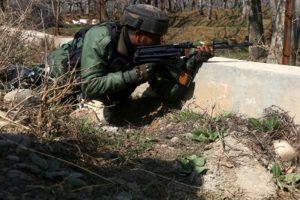 Pulwama encounter: Pak Lashkar commander among 3 militants killed (Ld)