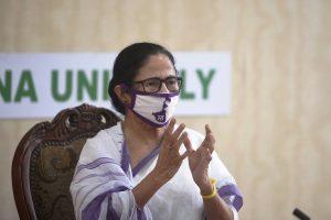 Mamata accuses Modi govt. of 'discrimination' in vax supply