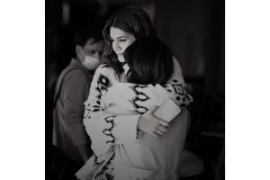 """Warda Khan says, """"There's nothing that a hug can't cure"""" for Kriti Sanon from the times when they were on Bachchan Pandey sets"""