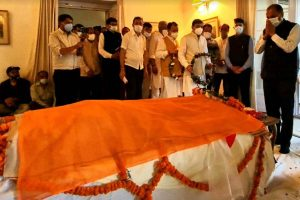 Six-time ex-CM Virbhadra Singh's mortal remains kept at Shimla to pay final tributes by public