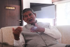 Rawat says submitted note to Sonia as meeting with Sidhu ends