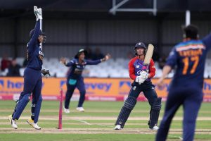 Indian women lose to England in first T20I
