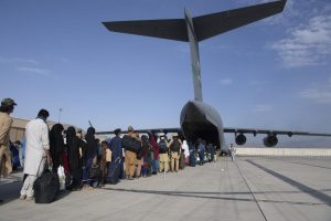 Evacuation flights resume in Kabul after deadly blasts