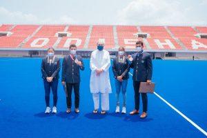 Naveen felicitates Odisha hockey Olympians, appoints Birendra & Rohidas in police DSP rank