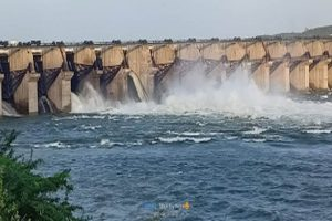 Flood alert issued after Pulichintala project's 16th gate breaks down