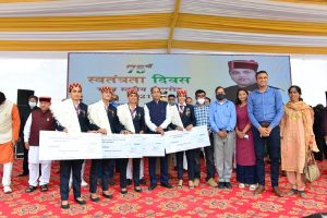 Jai Ram announces 6 per cent DA, subsidy to BPL, APL families on I-Day