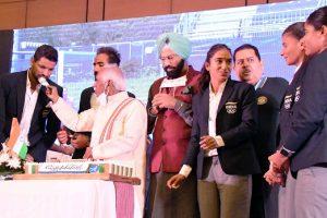 Chandigarh: Haryana Governor felicitates hockey stars of Tokyo Olympics