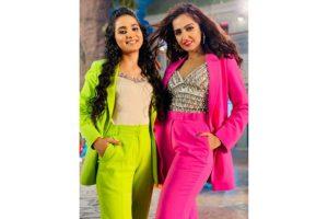 Asees Kaur, Renuka Panwar to sing Hindi version of Haryanvi single '52 gaj ka daman'