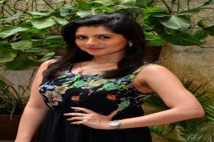 Actress Payel Sarkar recives obscene messages, lodges complaint