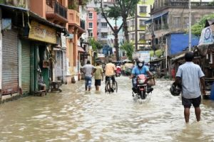 Flood situation in Bengal displaces over 3L people from their homes