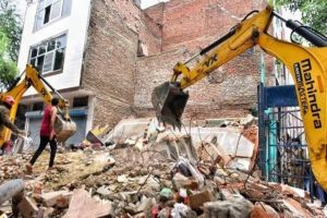 Building collapses in Delhi; one killed