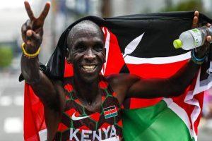Tokyo Olympics: Eliud Kipchoge retains men's marathon title