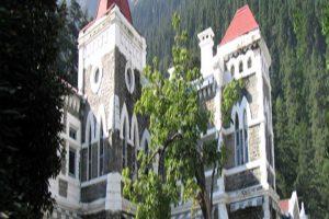 Uttarakhand High Court gifts people E-court vans