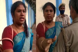 'Give work to all anchors': Woman protests outside Karnataka CM's house