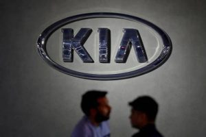 Kia drives in updated Carnival with price starting at Rs 24.95 lakh