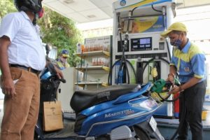 Petrol, diesel prices remain steady, provide relief to consumers