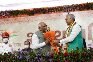 PM Modi congratulates Bhupendra Bhai Patel on taking oath as Gujarat Chief Minister